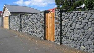 каменные заборы
